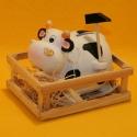 Spardose Kuh im Stall mit Hammer